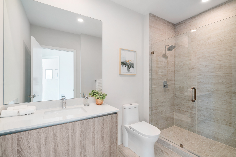 Quadro 614 bathroom